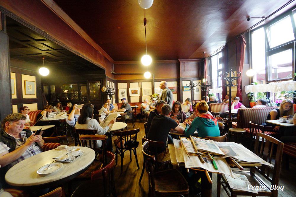 維也納哈維卡咖啡館Cafe Hawelka,招牌甜點Buchteln晚上8點後供應