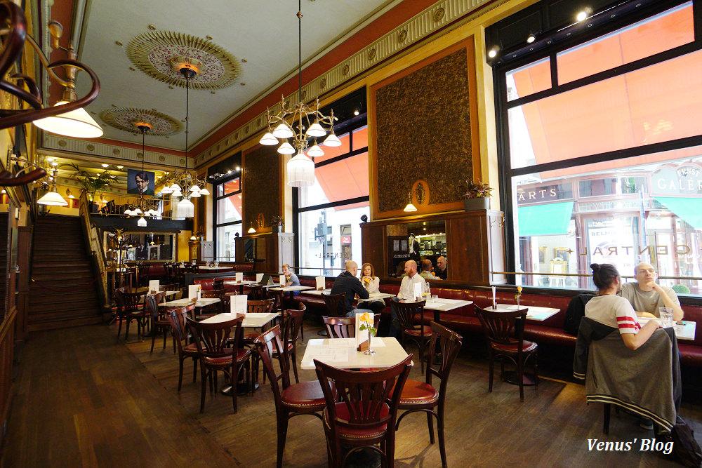 布達佩斯中央咖啡館Central Cafe,在地人推薦,幽靜的老咖啡館