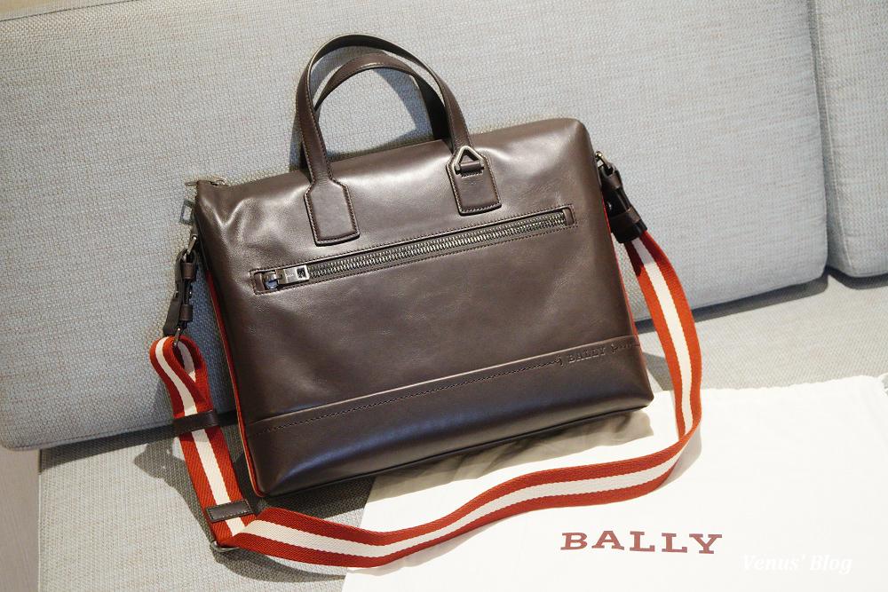 香港機場免稅店買Bally男用肩背手提兩用真皮包包