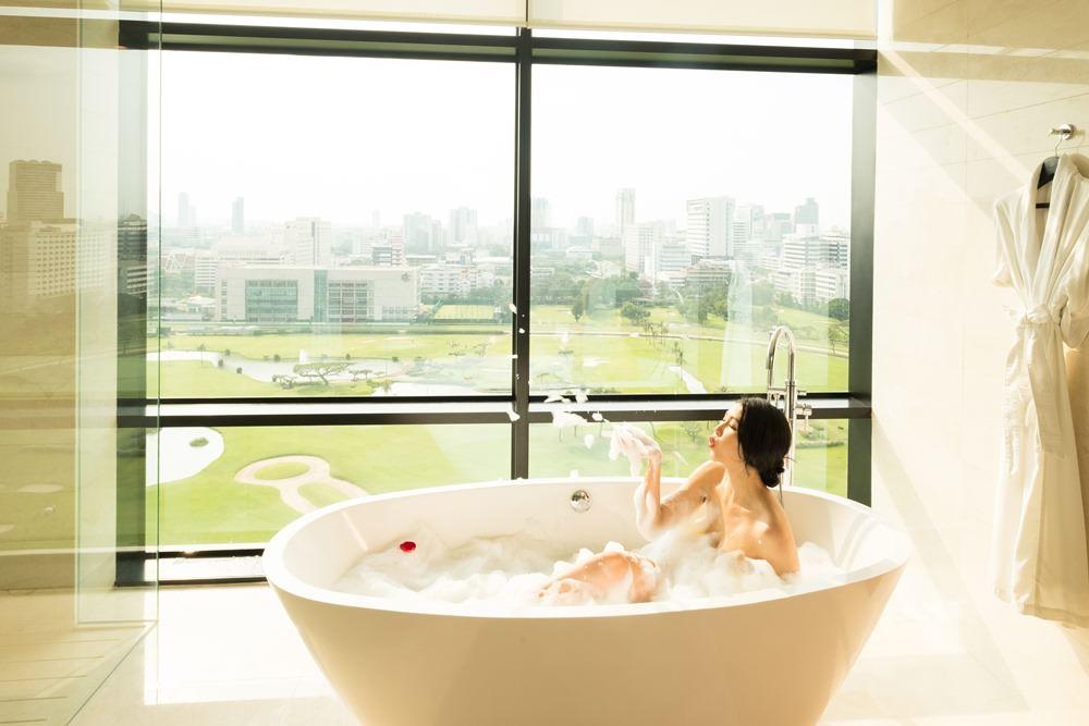 曼谷飯店推薦|曼谷瑞吉酒店,24小時英式管家,開放式廚房早餐吧豐盛超值