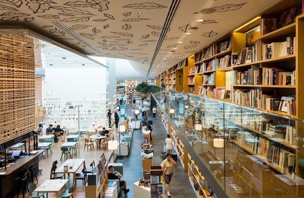 曼谷新景點|曼谷版蔦屋書店Open House,結合書香與咖啡香的文創空間