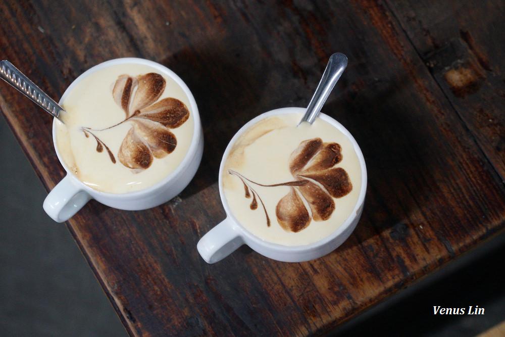 河內咖啡館|Cafe Dinh,破爛老屋裡的浮誇蛋咖啡,近還劍湖
