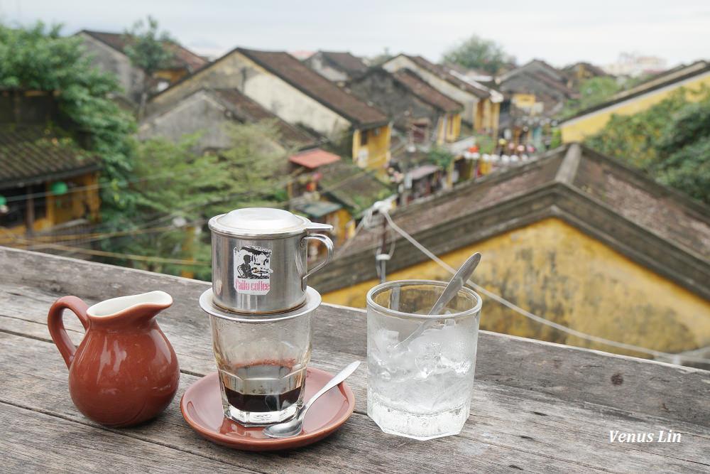會安咖啡館|Faifo Coffee,坐在會安古城老屋屋頂喝自家烘培的咖啡