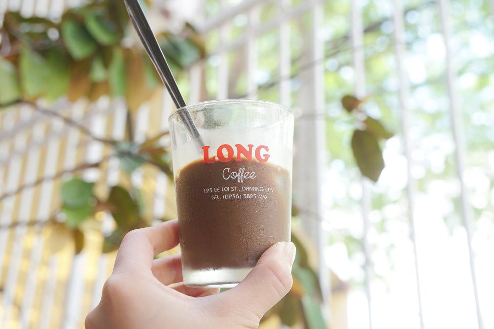 峴港咖啡館|LONG Coffee,跟在地人一起坐板凳喝越南咖啡