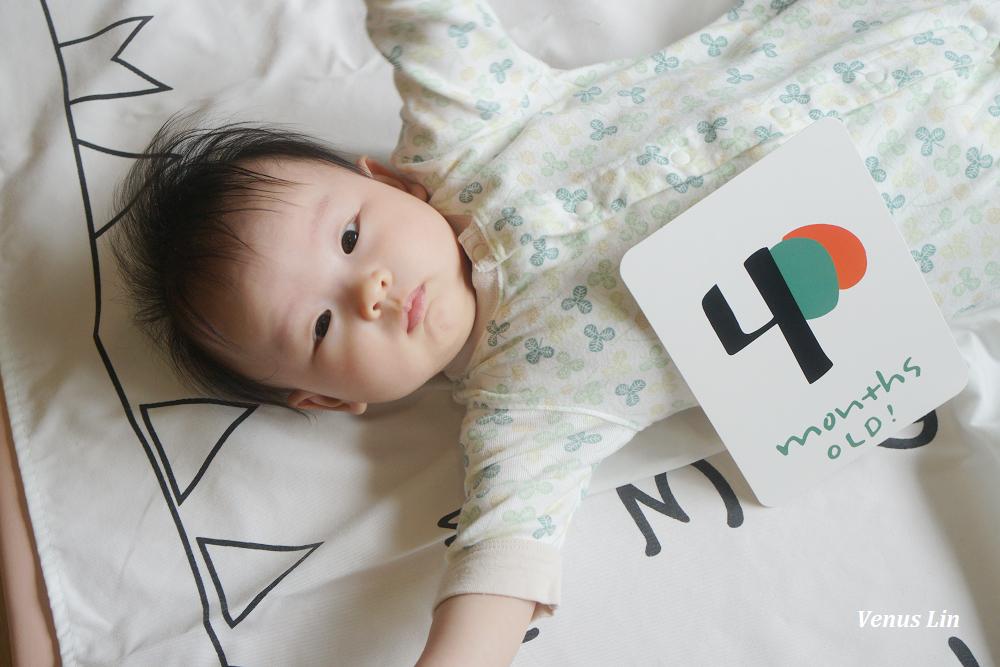 菲菲4個月|挑戰帶嫩嬰出門吃飯、對布書有興趣、hanplus地墊、趴姿翻身、乳牛人生進度
