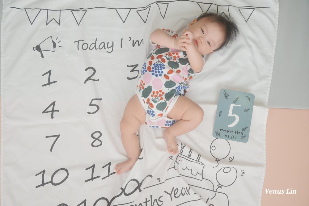 菲菲5個月|帶嫩嬰出門旅行、學會翻身、開始吃副食品、奶量作息穩定、乳牛人生進度