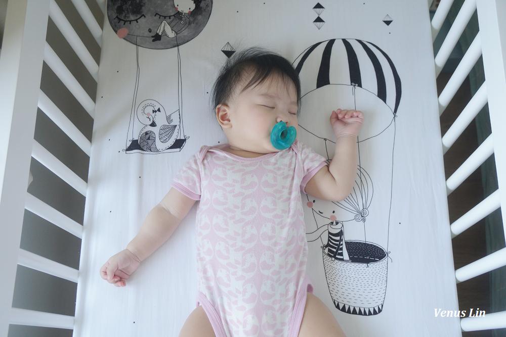 訓練嫩嬰晚上自行入睡,固定作息好重要、花了一個月才革命成功