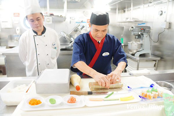 【麗星郵輪】廚房導覽(包含加州捲壽司品嚐) – 超值又好玩的船上自費活動