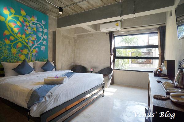 【清邁飯店推薦】Thapae Loft Hotel – 老城區工業風精品旅館、2014年新開幕