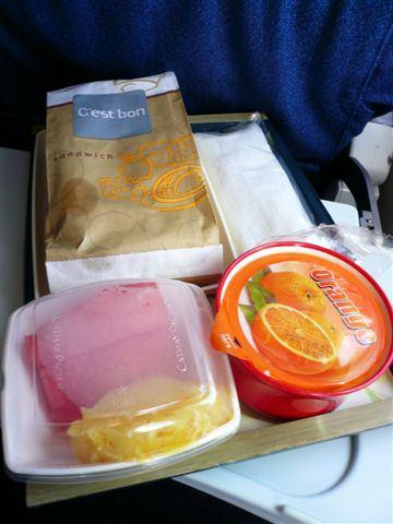 【飛機餐】台北→香港 國泰飛機餐