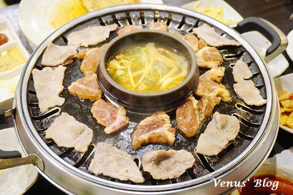 【台北信義區/松菸美食】韓川館 – 平價好吃的韓國料理、6款小菜可以無限續、韓國友人推薦